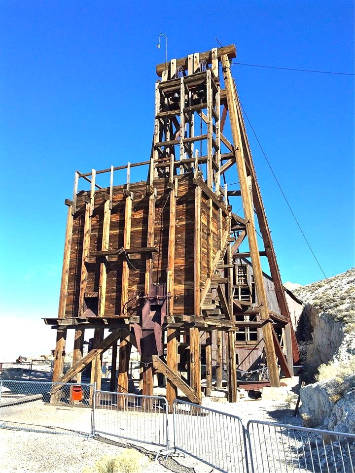 The Desert Queen mine head frame.