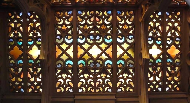 In the 1920s, Julia Morgan was hired to design the magnificent Moorish Gothic addition, which includes gardens, alcoves, cloisters, fountains, and chapels.