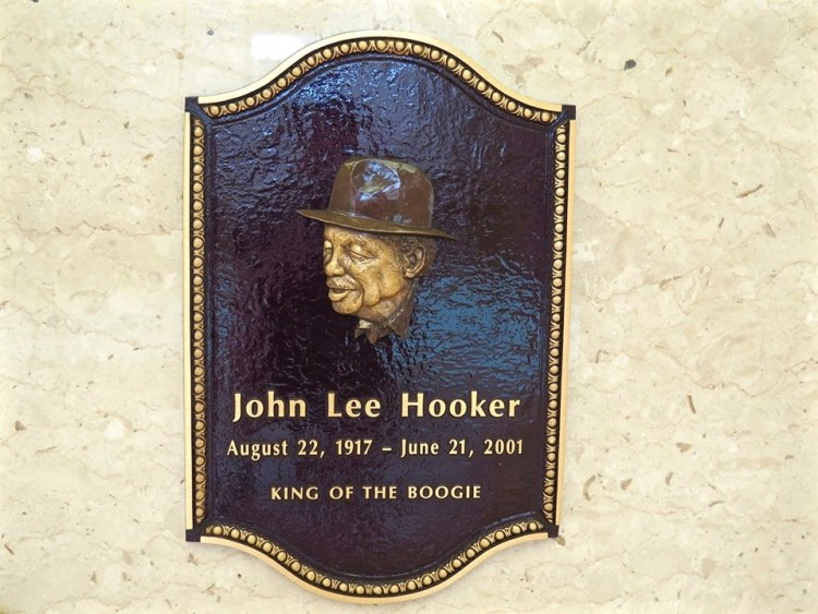 The most famous resident of the Chapel of the Chimes is bluesman John Lee Hooker, King of the Boogie.