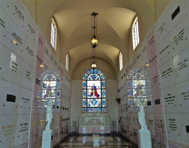 One of the many Mausoleum's within Forest Lawn. This one has a patriotic theme.