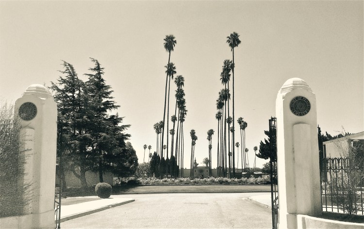 At the end of the 19th century, when the original site of the Hebrew Benevolent Society's sacred burial grounds filled to capacity, the society purchased a tract of land at the corner of Whittier Boulevard and Eastern Avenue.
