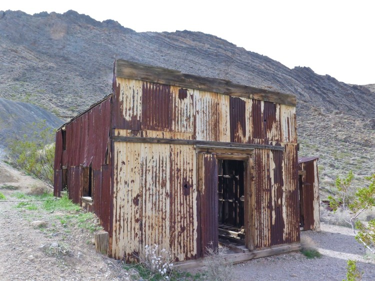 The product of extensive and fraudulent advertising by the Western Lead Mine Company and C.C. Julian, the town boomed in 1925.