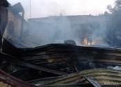 Pożar hali w Ogrodzieńcu (11)