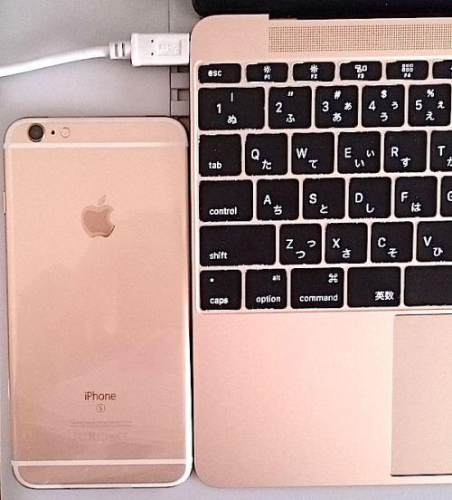 iPhone 6s Plus MacBookとお揃い