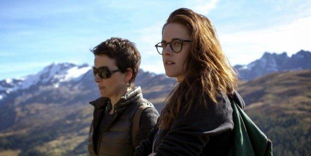 Juliette Binoche and Kristen Stewart in Clouds of Sils Maria