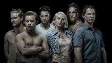 Ellen Barkin and her boys Scott Speedman, Shawn Hatosy, Ben Robson, Jake Weary, and Finn Cole