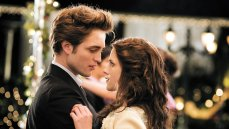 Robert Pattinson and Kristen Stewart in the first film in the Twilight saga directed by Catherine Hardwicke