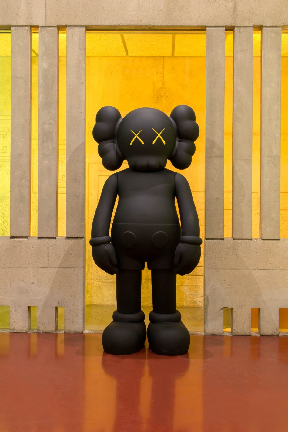 lot-18-kaws-companion-original-fake-2010-marc-chatelard-pour-artcurial