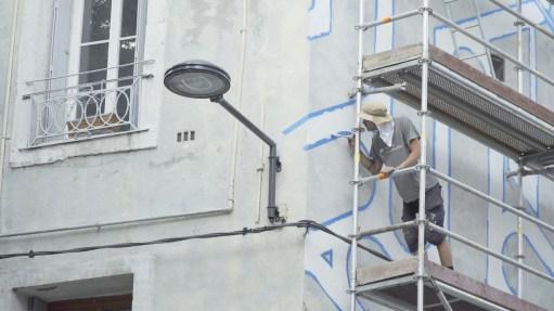 Fin de journée, des passants attendent qu'Erell descende ©Streep.fr ©