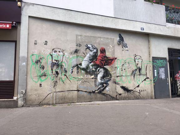 Fresque de Banksy en référence au peintre Jacques-Louis David, 41 avenue de Flandre Paris 19, 2018 ©Streep