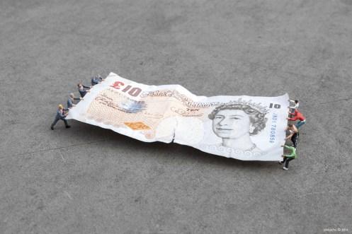 Slinkachu, Bank of England, London, 2014 ©Slinkachu