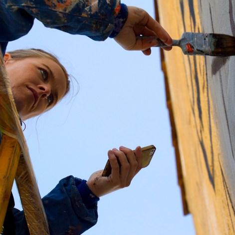 Tous les habitants peuvent participer à la création des fresques © Miraciaatras et Feralcala