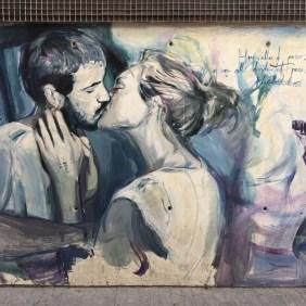 das Mural von Luis Lonjedo zeigt ein sich küssendes Paar