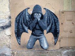 eine Figur mit Flügeln von Ender