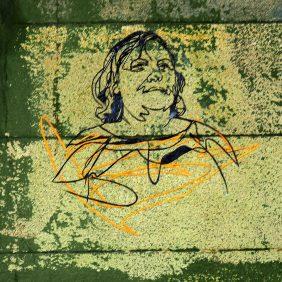 Fadenfrau unscharf fotografiert