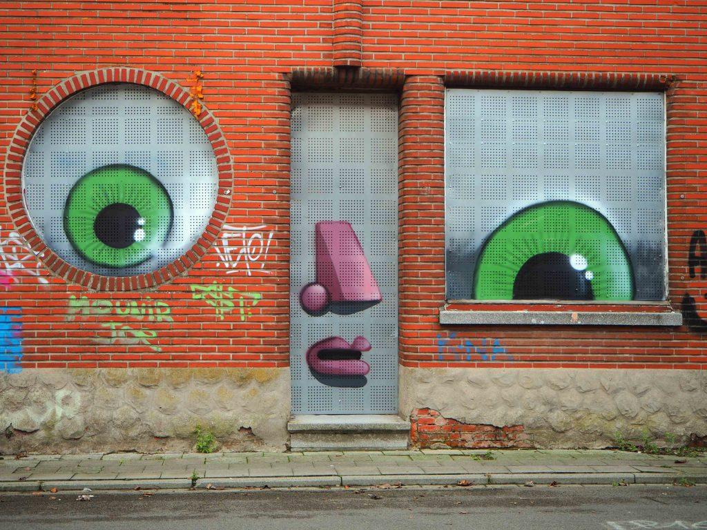 Gesicht mit grünen Augen