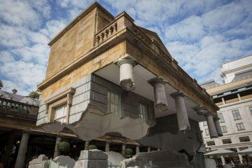 Blog: Alex Chinneck Installation in London