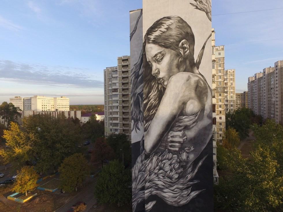 Paola Delfin in Kiev - Photo by @dronarium