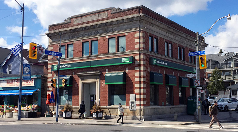 bank holdup reported at Danforth and Logan