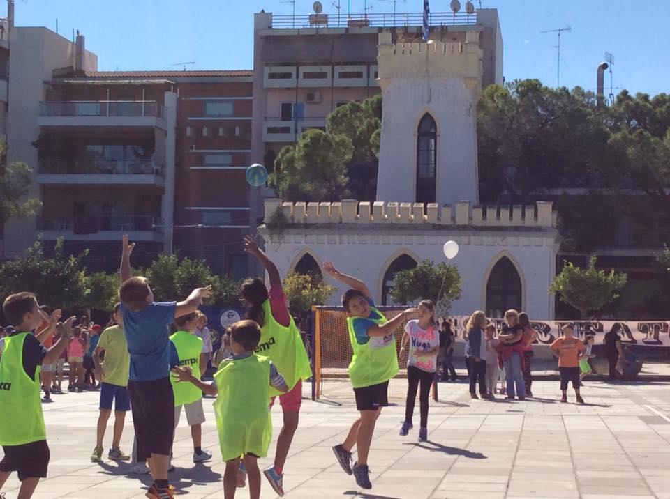 Greece Serifato Handball Club 500 children to Street Handball in the Square Psilalonia10