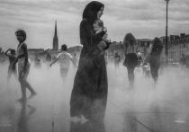 Women Street Photographers Exhibition in New York: Stories and Repeats