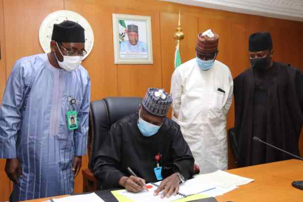 Governor Inuwa Yahaya Signs Revised 2020 Budget After Downward Review
