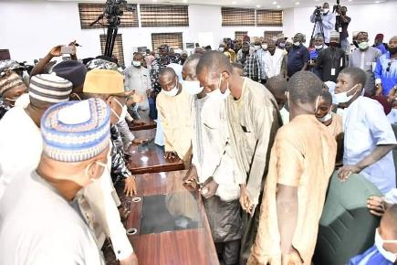 Governor Abubakar Sani Bello Receives Science College Kagara Abductees