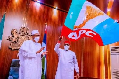 Senator Andy Uba raising APC flag as Governorship Candidate of the APC in November 6 Governorship Polls