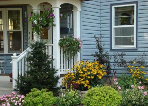 Porch flowers, St. Paul