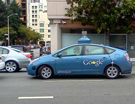 Google_driverless_care_on_street-2