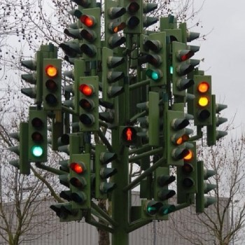 traffic light sculpture