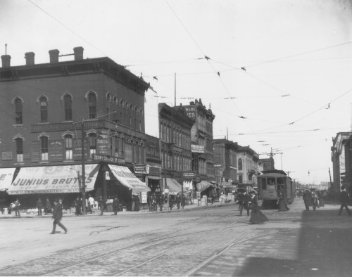 HENNEPIN AVENUE FROM 2ND STREET TOWARDS WASHINGTON AVENUE