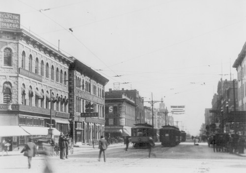 LOOKING EAST ON WASHINGTON AVENUE FROM HENNEPIN AVENUE