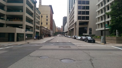 5th Street in downtown Saint Paul, noon on a Thursday.