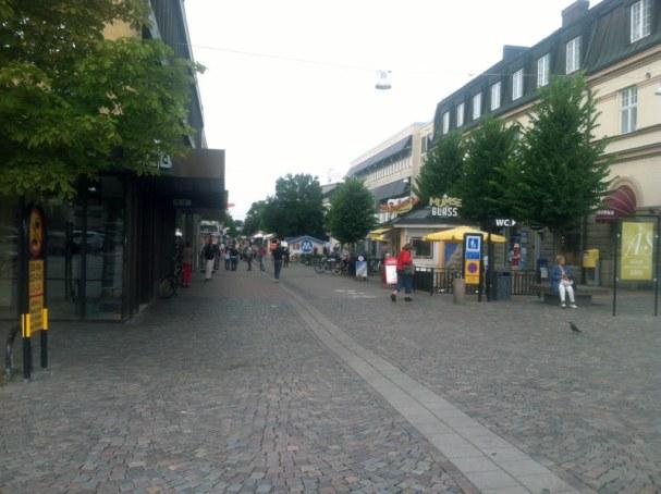 vaxjo-shopping-street