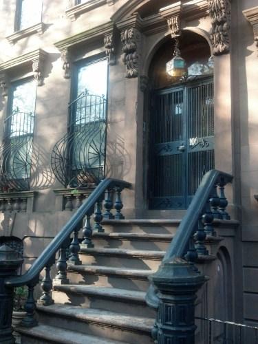 Image of New York City brownstone stoop