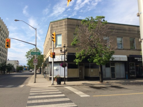 Two-story building on Victoria Ave, Thunder Bay