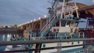 mississippi-barge