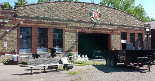 Garage Behind 1901 Grand Street NE