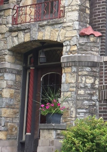 3545 Dupont Ave S, Detail of Entryway