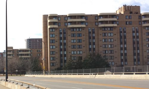 Seven Corners Apartments (1984)