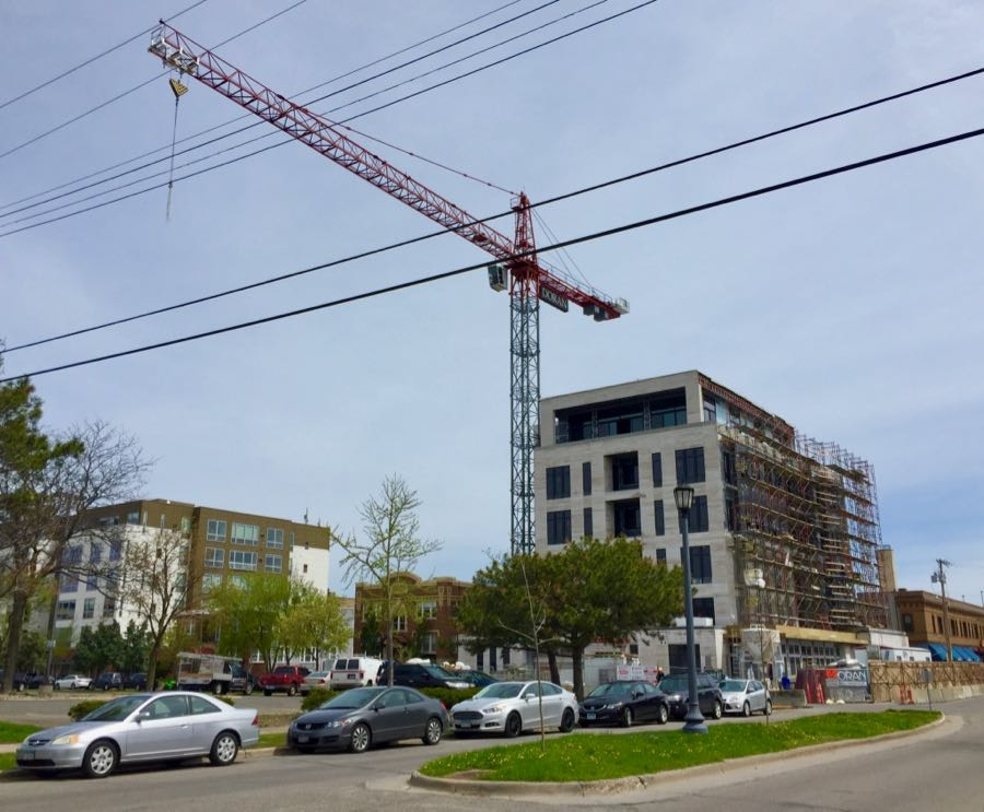 3041 Holmss Avenue condo construction
