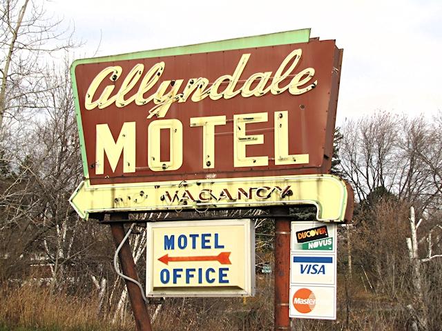 Allyndale Motel Sign