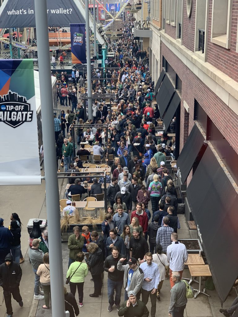 Final Four Nicollet Mall News Room S 10th St 2019 04 06