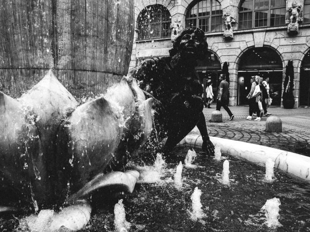 Ehekarussell Fountain Nuremberg