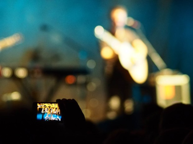 olympus-pen-f-concert-photography-02