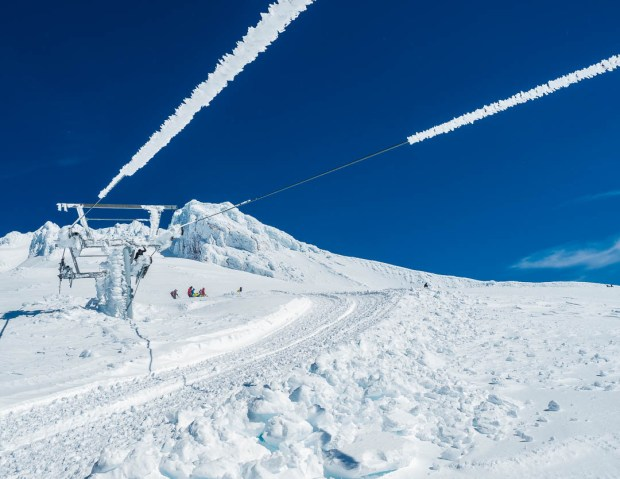 Skiing Mount Hood 04