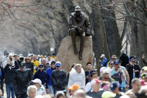 Patriots Day Ap photo Michael Dwyer diverted runners