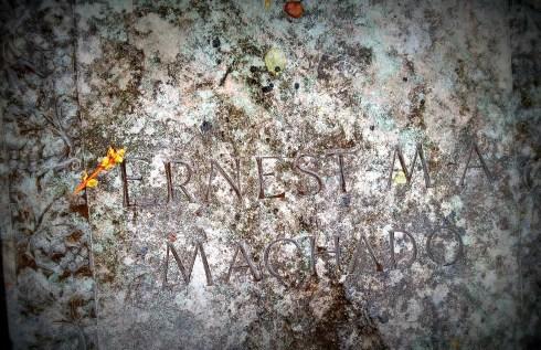 Machado Grave