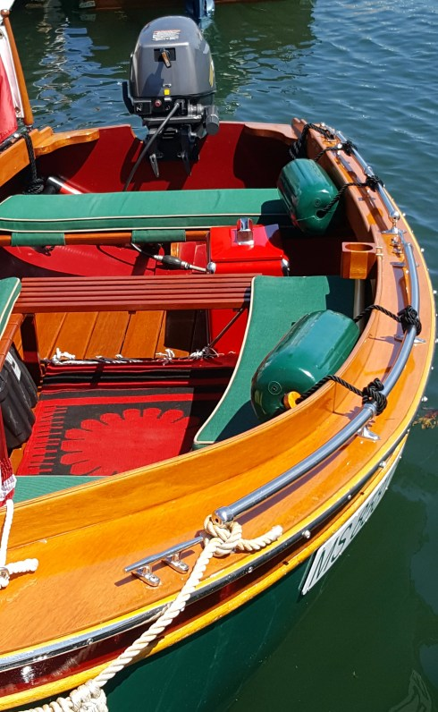 wooden boat 19